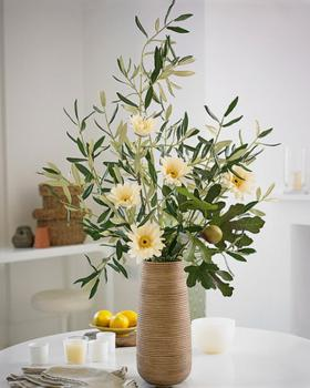 Как расправить искусственные цветы