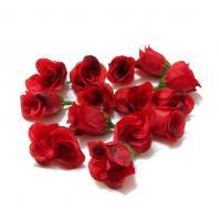 Бутончики роз красные