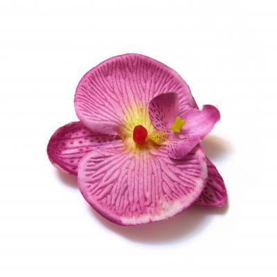 Маленькие фиолетовые головки цветов