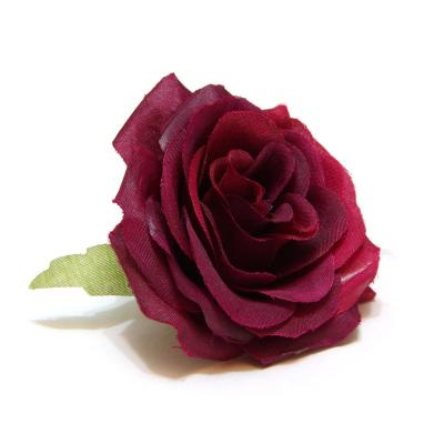 Роза бордо