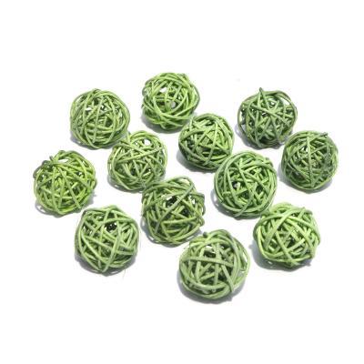 Маленькие ротанговые шарики
