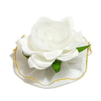 Белая головка розы из ткани
