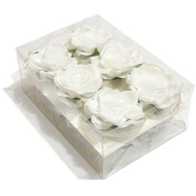 Белые головки роз