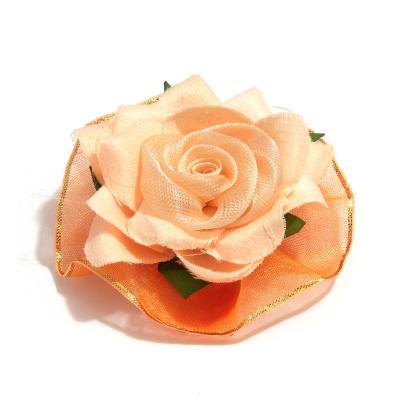 Головка персиковой розы