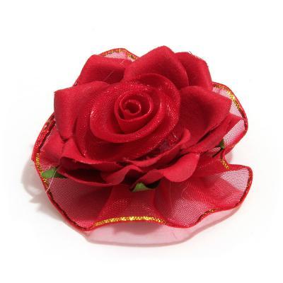 Головки красных роз