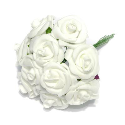 Белые латексные розочки для свадебных аксессуаров