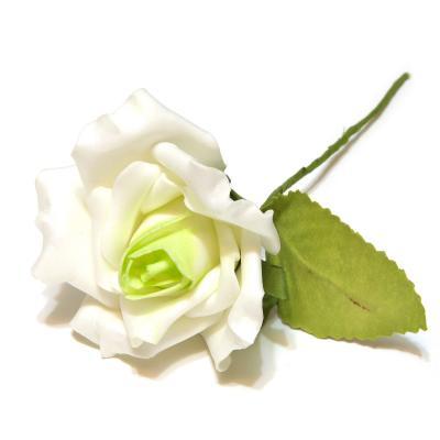 Роза латекс белая с зеленой серединкой