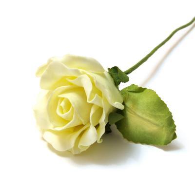 Розы из вспененного латекса кремовые
