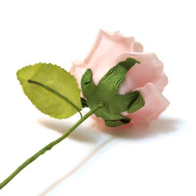 Розовая розочка для декора