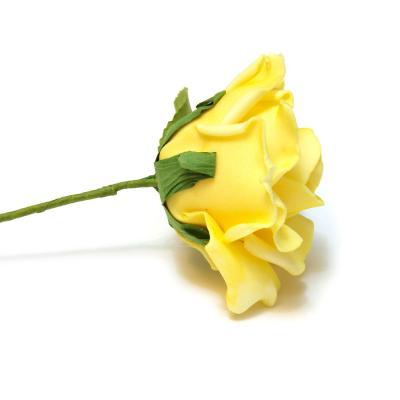 Роза желтая из пенки