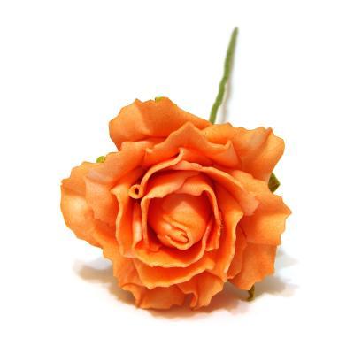 Оранжевые искусственные розы