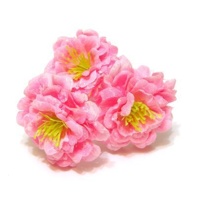Розовые розочки из ткани