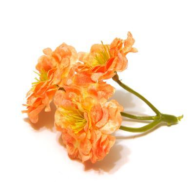 Розочки оранжевые на веточке