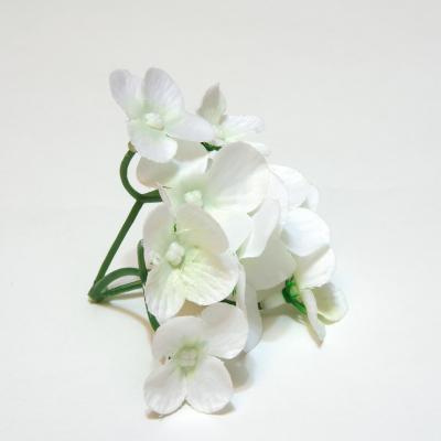 Белая гортензия для свадебного декора