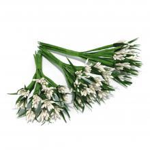 Белые декоративные веточки тычинки