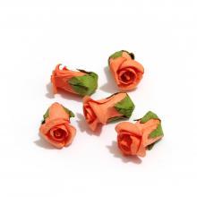 Бутоны розочек из бумаги оранжевые