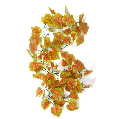 Искусственные плющи с виноградными листьями