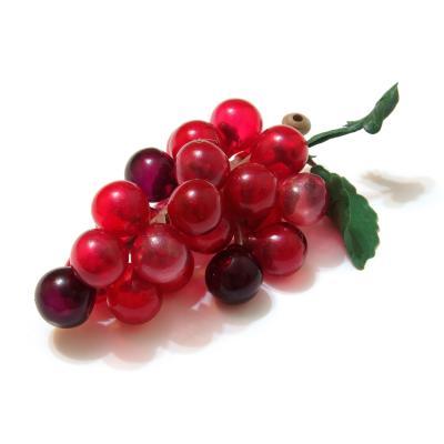 Розовый искусственный виноград