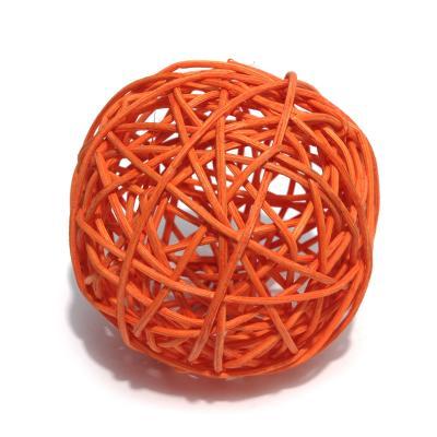 Оранжевые шарики из ротанга