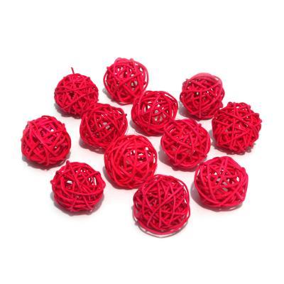 Красные ротанговые шарики для декора