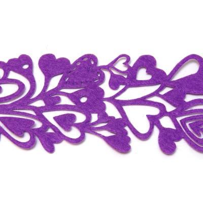 Фиолетовая лента с сердечками из фетра