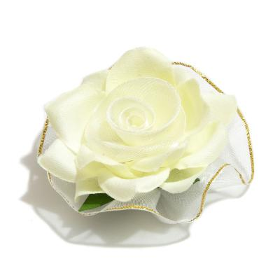 Головки роз кремового цвета