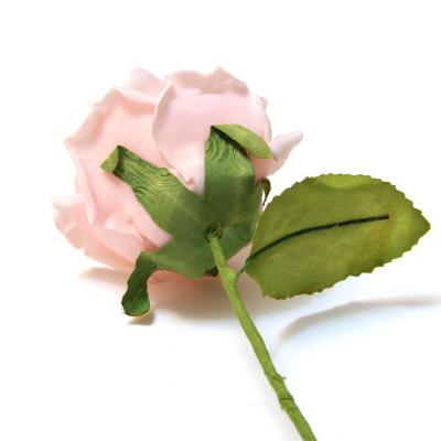 Розовая розочка с обратной стороны