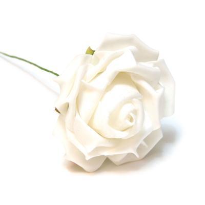 Белые латексные розы