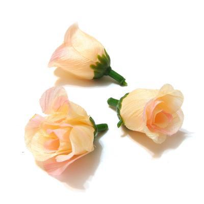 Кремовые головки роз